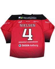 Spillertrøje med navn og nummer #4 Nielsen